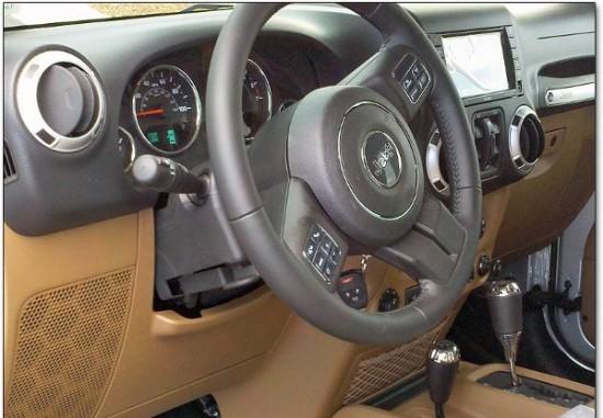 Шпионские фото интерьера нового Jeep Wrangler D0b4d0b6d0b8d0bf3-550x381